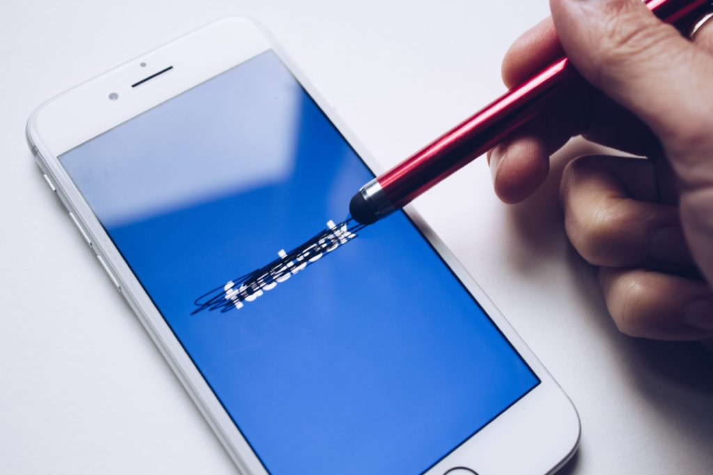Come uscire da facebook
